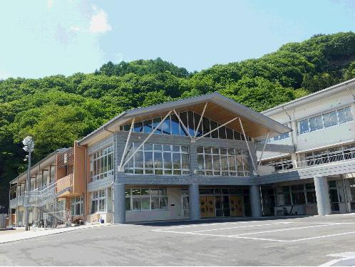 嬬恋村立西部小学校